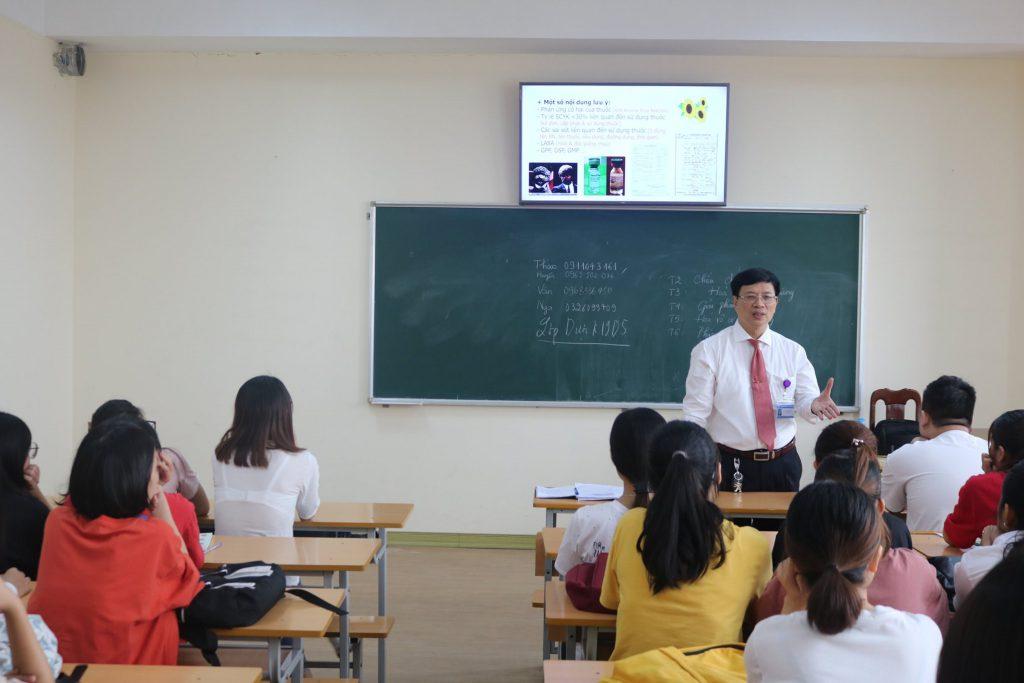 Thiếu tướng GS.TS. BS Lê Trung Hải – Hiệu trưởng nhà trường