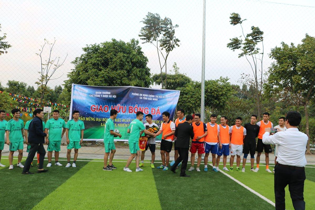 Giao hữu bóng đá chào mừng ĐH Đại biểu Đoàn trường CĐ Y Dược Hà Nội lần thứ 5 (2019-2022)