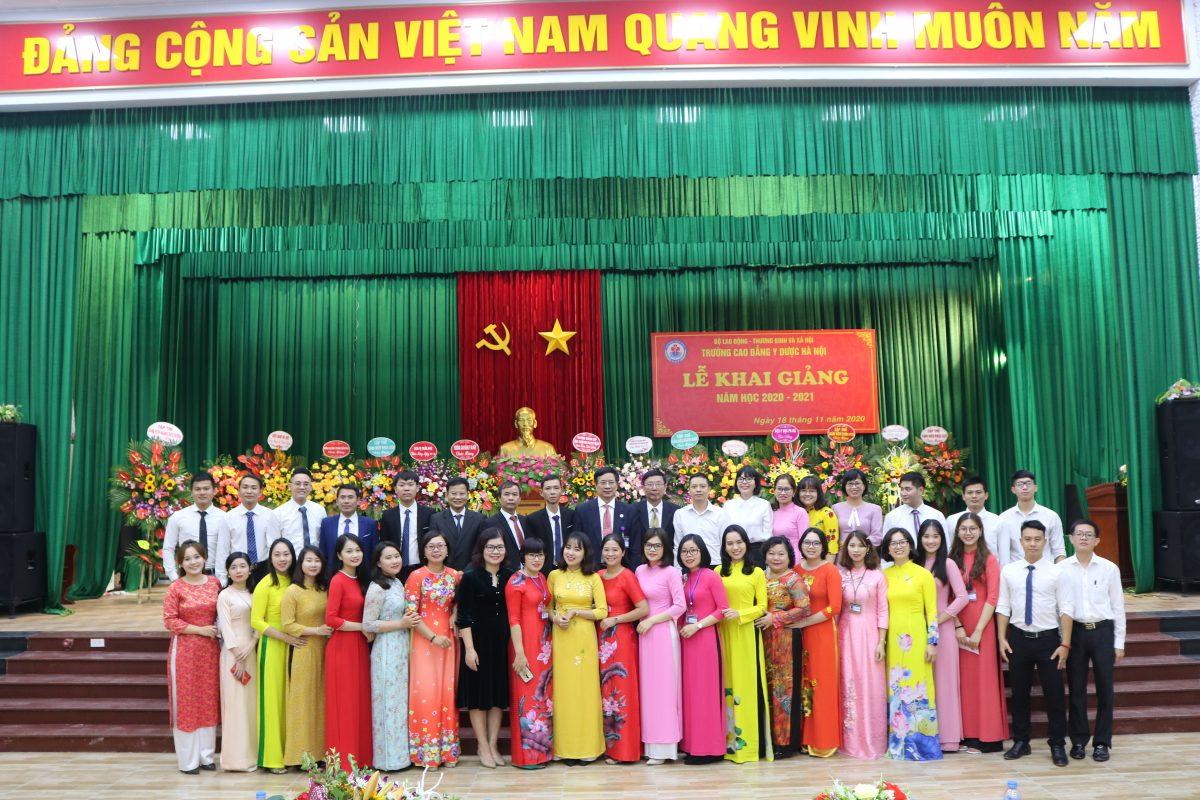 Trường Cao đẳng Y Dược Hà Nội tổ chức Lễ Khai giảng năm học 2020 – 2021.