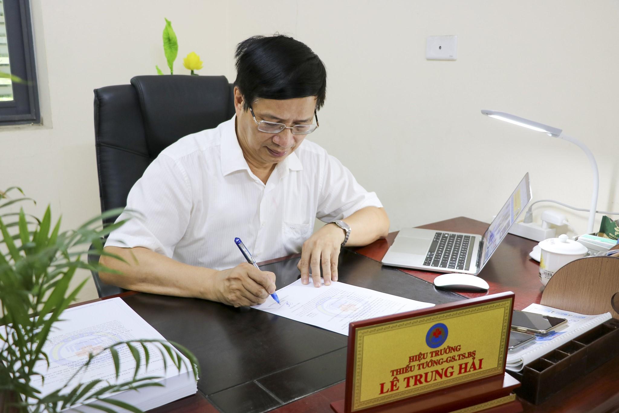 Thư của Hiệu trưởng gửi sinh viên nhân dịp năm học mới 2021-2022